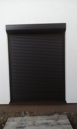 Rulouri garaj 2
